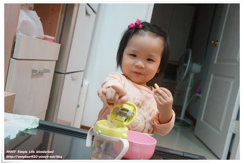 【育兒好物】副食品餐具推薦 ♥ 圍兜/碗/湯匙/水杯