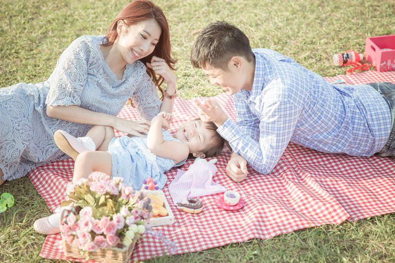 [育兒生活] 小波妞大紀事 2Y ♥ 全家福。每年都要留下一個美好的成長回憶