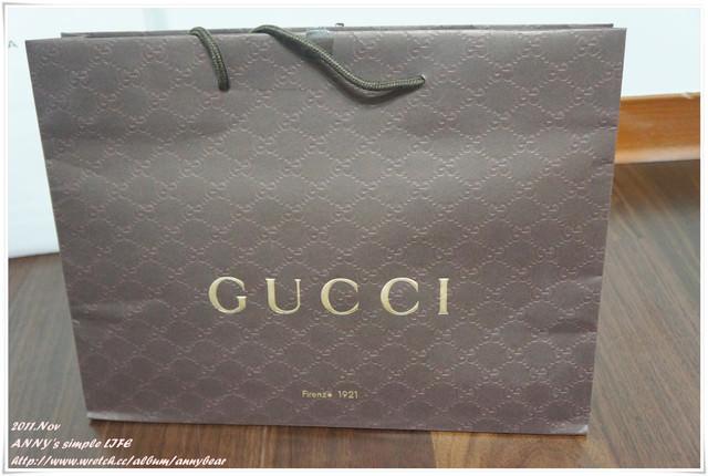 [精品] 義大利蜜月戰利品 ♥ Gucci 圍巾 開箱+穿搭