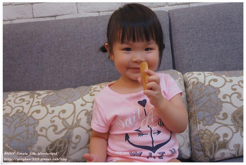 [育兒好物] 營養滿點的小點心。寶寶開心 媽媽安心 ♥ 亨氏寶寶手指餅乾&磨牙棒