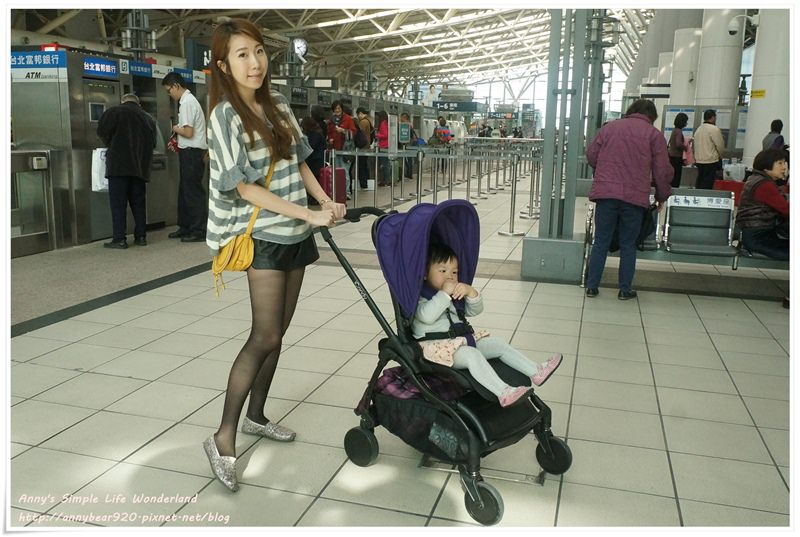 [育兒好物] 嬰兒車中的時尚精品 輕巧 收納體積小 ♥ 小波妞的新推車 iCandy Raspberry (新生兒可用推車)